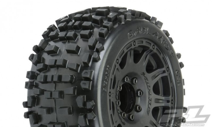 Pro-Line Badlands 3.8Zolll auf Raid 8x32 Felge 17mm MT v/h (Removeable Hex)